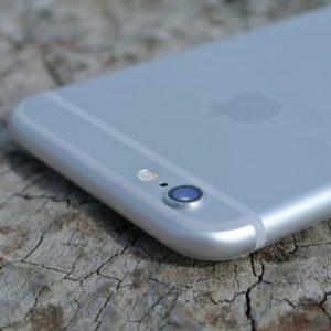 ドナルド・トランプ大統領就任。アメリカファースの弊害で2017年のiPhoneは価格高騰か?