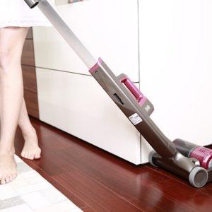 室内だけでなく車内の掃除にも便利!おすすめスティッククリーナのご紹介